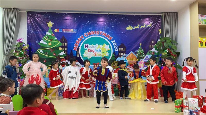 Musical English Star - Lễ hội Giáng sinh yêu thương tại Dongsim Kindergarten
