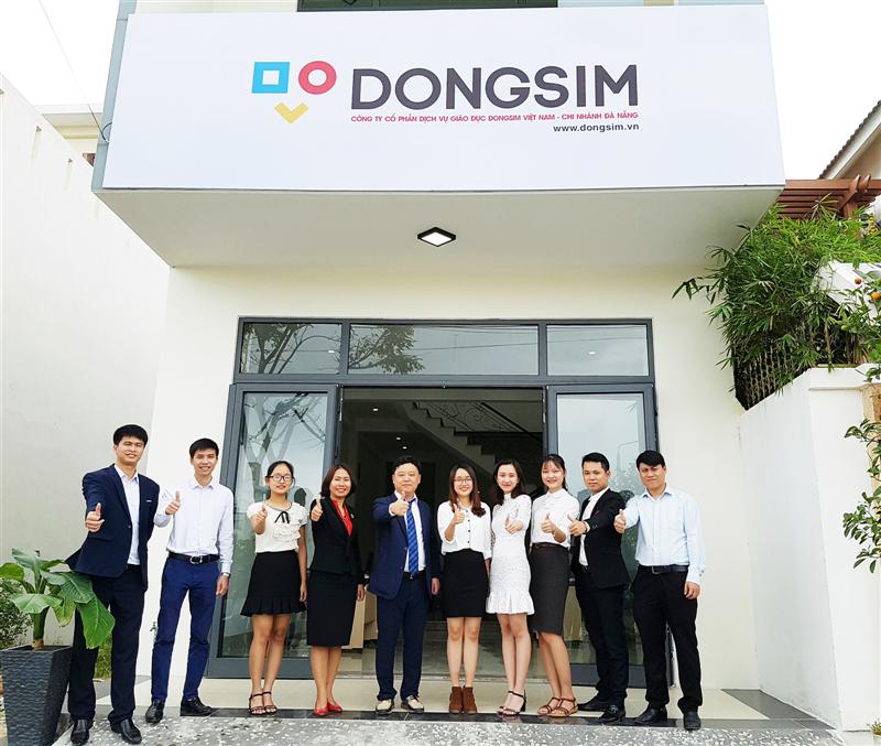 Tưng bừng Lễ khai trương Chi nhánh Công ty cổ phần dịch vụ giáo dục Dongsim Việt Nam tại Đà Nẵng.