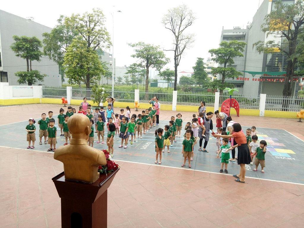 Trường Mầm non Dongsim Kindergarten mừng 130 năm ngày sinh nhật Bác Hồ